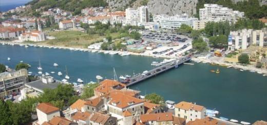 pogled iz stolpa(reka Cetina)