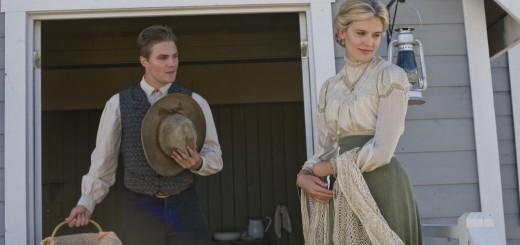 (Stephen Amell (Puščica) in Maggie Grace (Twilight) v začetni epizodi serije 'Klic srca')