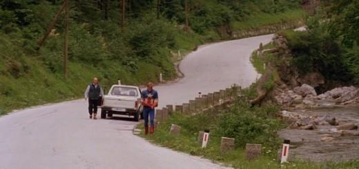 Stotnik Amerika je sicer res superjunak, a ovinkaste ceste po Sloveniji zlomijo tudi najmočnejše!