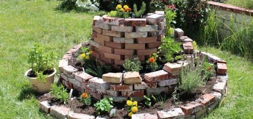 Zeliščni vrt - zeliščna spirala