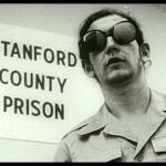 Stanfordski zaporniški eksperiment (ko je človek sposoben zla)