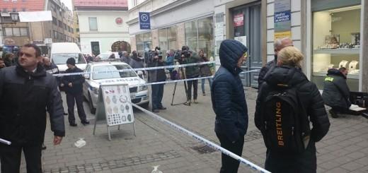 Oborožen rop prodajalne Slowatch v Mariboru