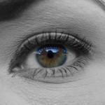 Oči – naravno proti gubam in podočnjakom