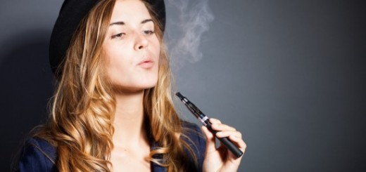 girl-puffing-on-ecigarette1-550x356