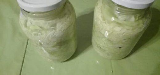 kisanje zelja v kozarcu