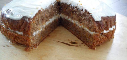 Korenčkova torta s skuto -
