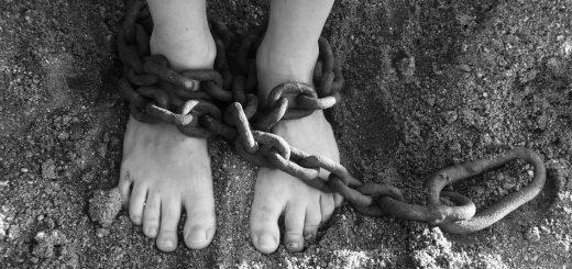 Kako smo postali in ostajamo sužnji