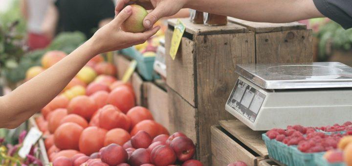 5 trikov, kako se upreti nezdravi hrani med nakupovanjem v trgovini